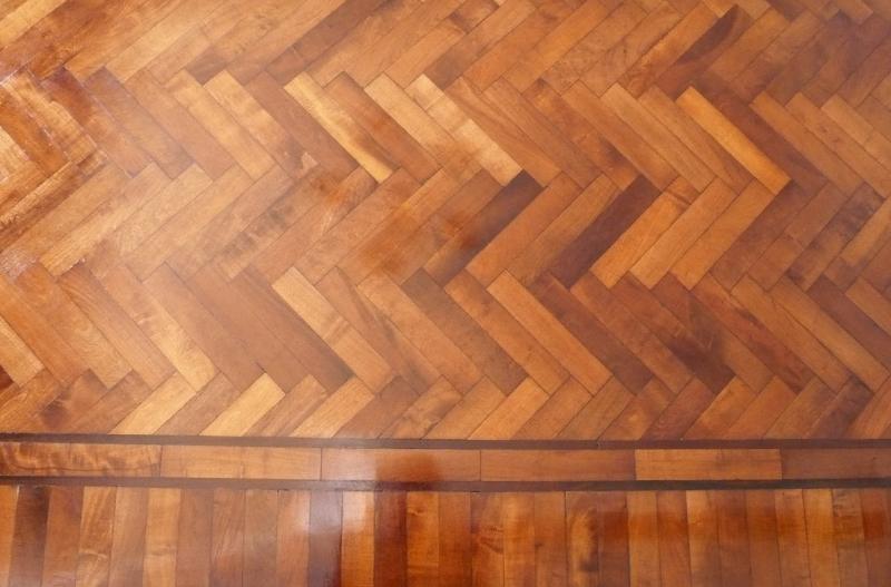 Instalaci n de piso de madera de calden arreglos - Colocacion de parquet de madera ...