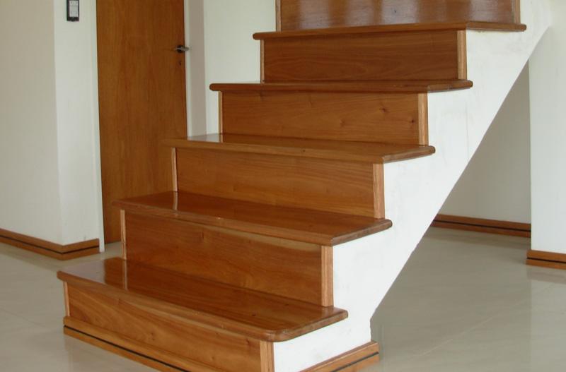 Fabrica de escaleras de madera plastificadora argentina - Escalera de madera de pintor ...