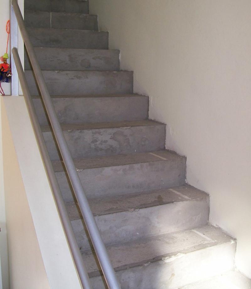 Fabrica de escaleras de madera plastificadora argentina for Como trazar una escalera de madera
