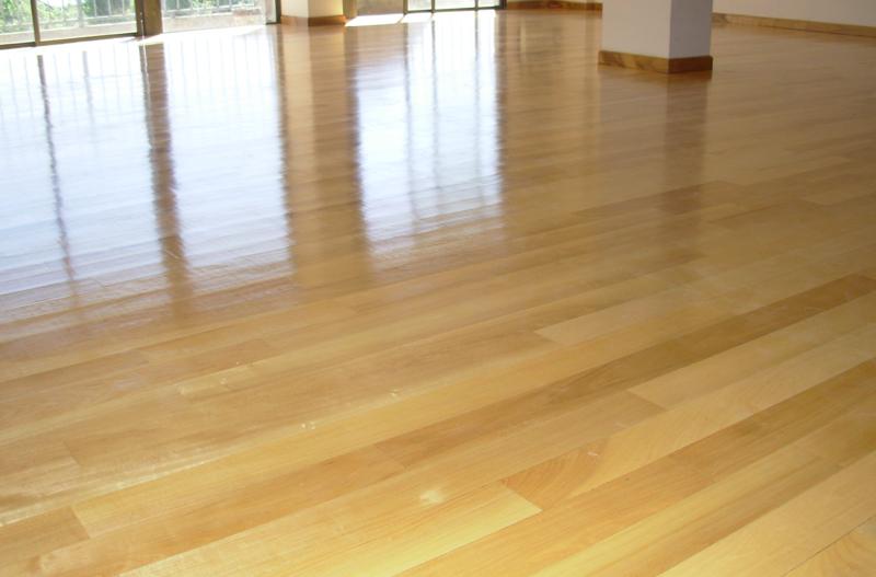Instalaci n de pisos d madera guatamb plastificadora - Instalacion piso madera ...
