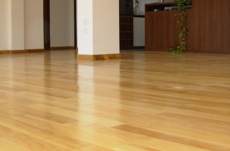 Instalaci n de pisos d madera guatamb plastificadora argentina Instalacion piso madera