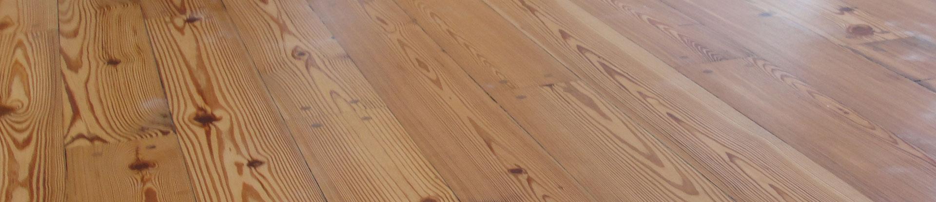Plastificadora argentina pisos de madera de pinotea for Zocalos de madera para pisos